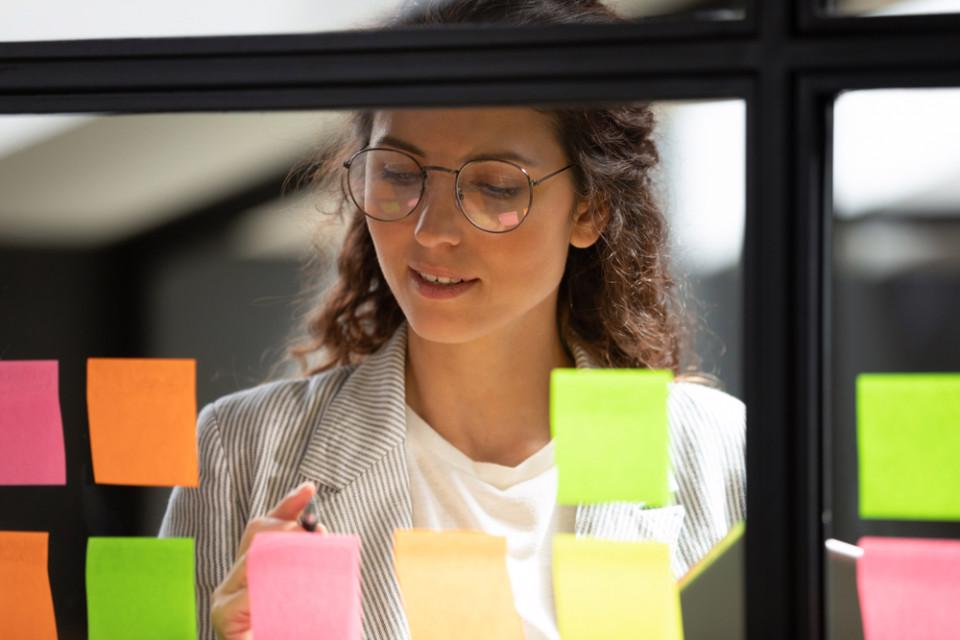 Warum es für Vermarkter*innen wichtig ist, Easy Project zu implementieren, um agil zu bleiben